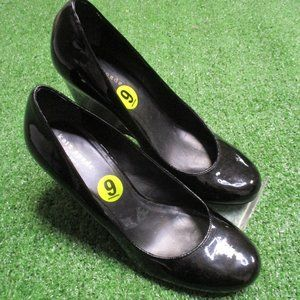 Kate Spade Black Patent Leather wedge Shoes 9